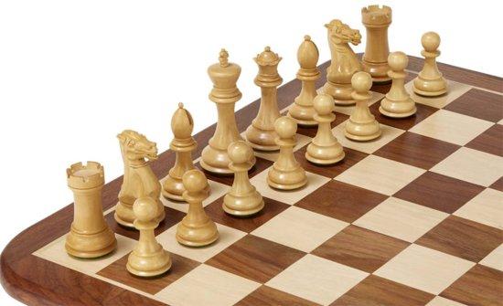 Thumbnail van een extra afbeelding van het spel Stllion Knight schaakspel - bord, stukken taakbox
