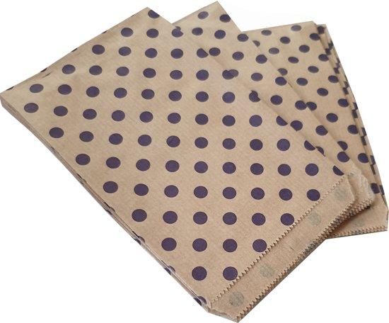 Papieren zakjes / cadeauzakjes 13,5 x 18 cm bruin met paarse stippen 100 stuks
