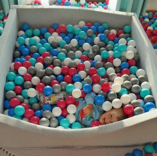Ballenbak - stevige ballenbad - 120x120 cm - 1200 ballen Ø 7 cm - wit, blauw, grijs.