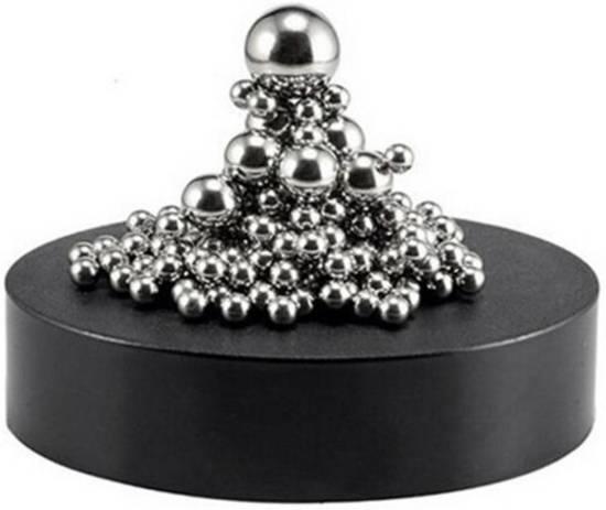 magneet houder + balletjes zilver - 160 balletjes - diverse afmetingen