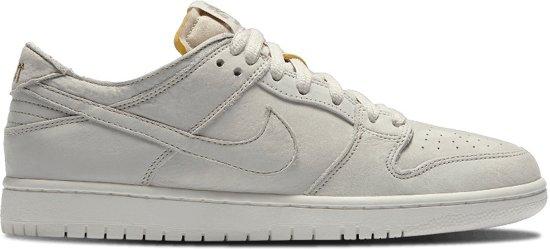 separation shoes c9dc2 9a84d Nike Sneakers Sb Zoom Dunk Low Heren Beige Maat 40,5