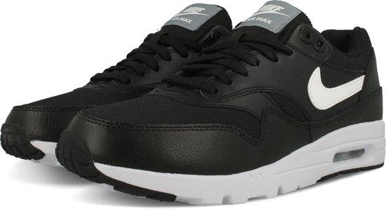 Nike Air Max 1 Essential Sneakers Vrouwen Maat 41 Zwart
