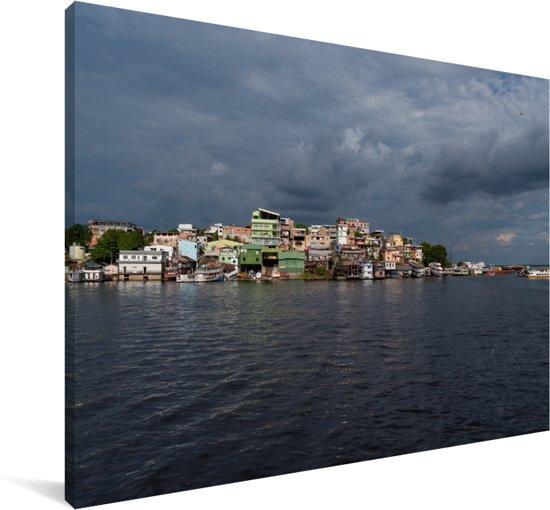Donkere lucht strekt over Manaus in Brazilië Canvas 90x60 cm - Foto print op Canvas schilderij (Wanddecoratie woonkamer / slaapkamer)