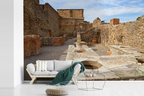 Fotobehang vinyl - De binnenstad van Pompeï in Italië breedte 330 cm x hoogte 220 cm - Foto print op behang (in 7 formaten beschikbaar)