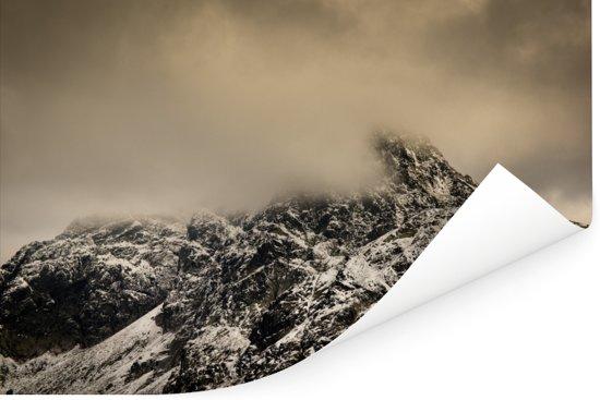 De grauwe besneeuwde bergtoppen van het Poolse Nationaal park Tatra Poster 120x80 cm - Foto print op Poster (wanddecoratie woonkamer / slaapkamer)