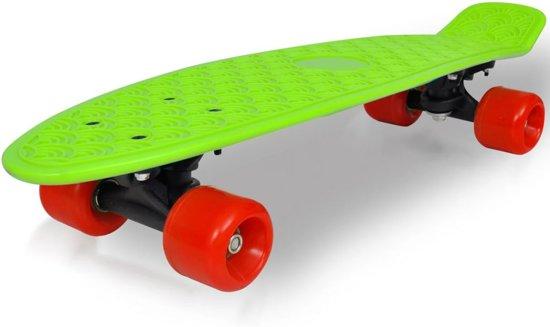 Retro skateboard met groene bovenkant en rode wielen 6,1