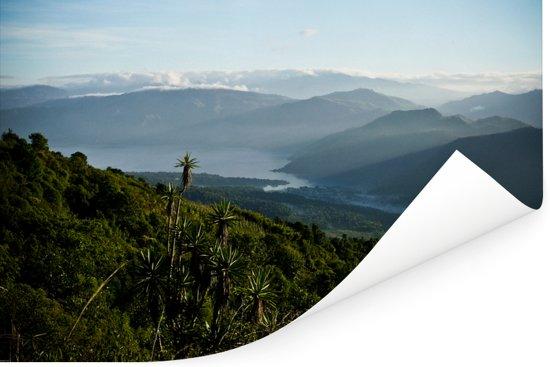 Uitzicht vanaf de vulkaan Atitlán naar het meer van Atitlán in Guatemala Poster 180x120 cm - Foto print op Poster (wanddecoratie woonkamer / slaapkamer) XXL / Groot formaat!