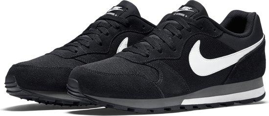 c07a4540213 bol.com | Nike Heren Sneakers Md Runner 2 Men - Zwart - Maat 40+