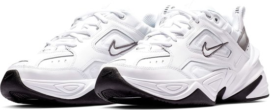 Nike Air Max 270 Sneakers - Maat 41 - Vrouwen - wit/zwart