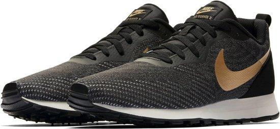 fafcfc07b4f Nike MD Runner 2 ENG Mesh Sneakers Heren Sneakers - Maat 42.5 - Mannen -  zwart