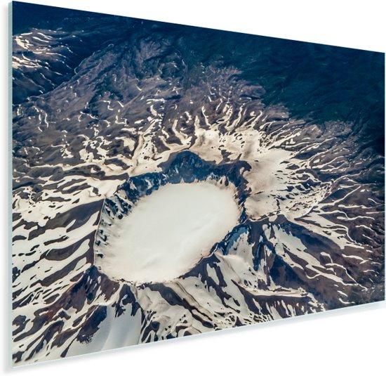 Bovenaanzicht van een vulkaan in Nationaal park Puyehue in Chili Plexiglas 120x80 cm - Foto print op Glas (Plexiglas wanddecoratie)