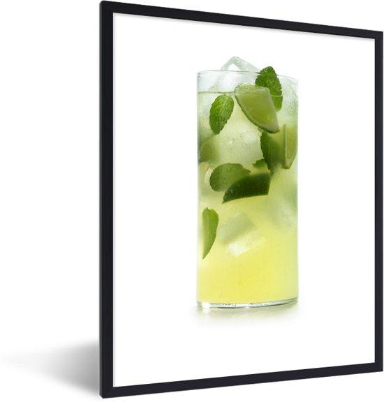 Foto in lijst - Verse groen gekleurde cocktail op een witte achtergrond fotolijst zwart 30x40 cm - Poster in lijst (Wanddecoratie woonkamer / slaapkamer)
