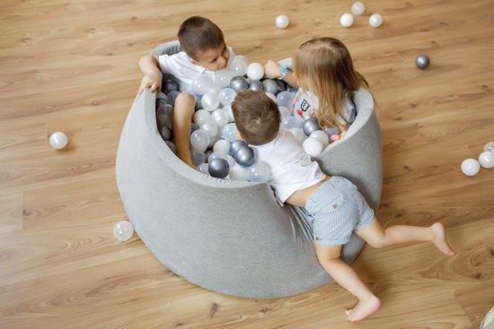FUJL - Ballenbak - Speelbak - Lichtgrijs - ⌀ 90 cm - 200 ballen - Kleuren - Zilver - Parel  -Roze - Transparant