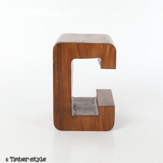 Letter Suar hout C - kruk - 30 x 30 x 45 cm.