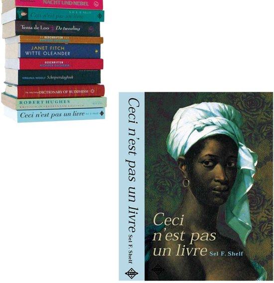 boekenplank zwevend Selfshelf Ceci n'est pas un livre | vrouw blauw