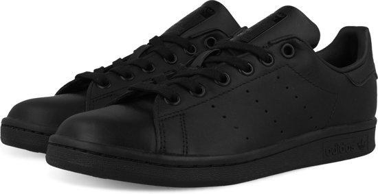 80d379dd4bb adidas STAN SMITH M20327 - schoenen-sneakers - Unisex - zwart - maat 41