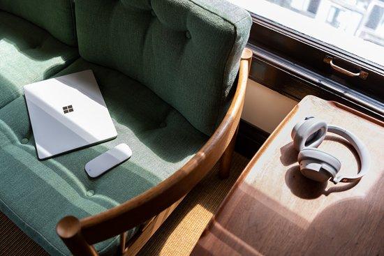 Microsoft Surface Laptop 2 - i5 - 8 GB - 256 GB Platinum