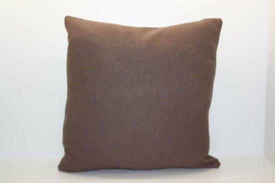 Sierkussen Reus - bruin - 45x45 cm