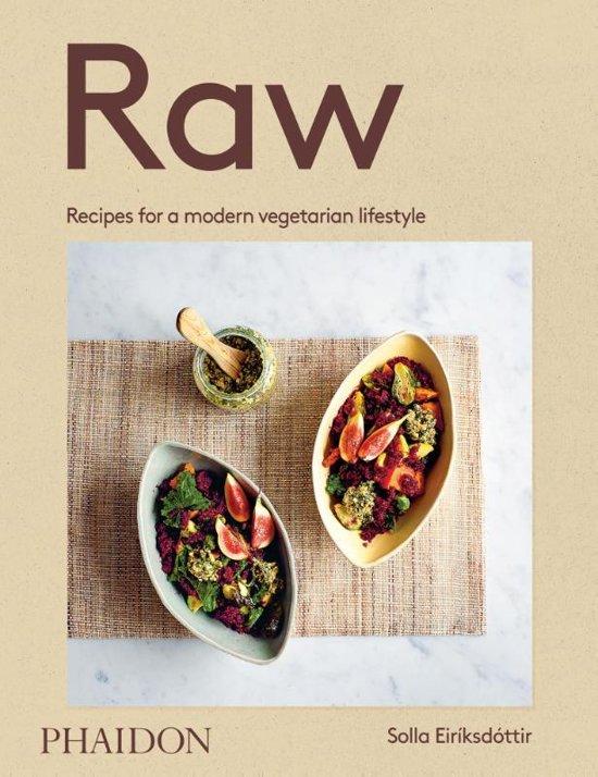 Boek cover Raw van Solla Eiriksdottir (Hardcover)
