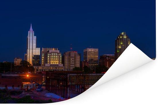Skyline van Raleigh in Noord-Amerika tijdens de nacht Poster 180x120 cm - Foto print op Poster (wanddecoratie woonkamer / slaapkamer) XXL / Groot formaat!