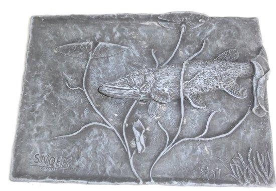 Wandplaat Snoek Onder Lelies