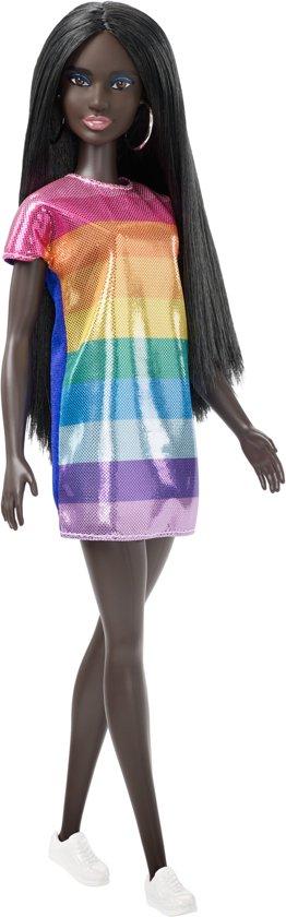 Barbie Fashionistas  Met Glinsterende Regenboogjurk - Barbiepop