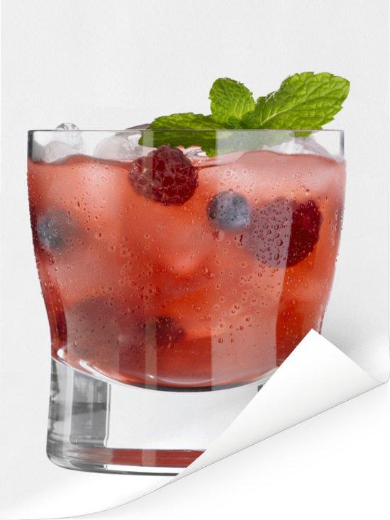 Heerlijke cocktail met fruit en alcohol Poster 60x80 cm - Foto print op Poster (wanddecoratie woonkamer / slaapkamer)