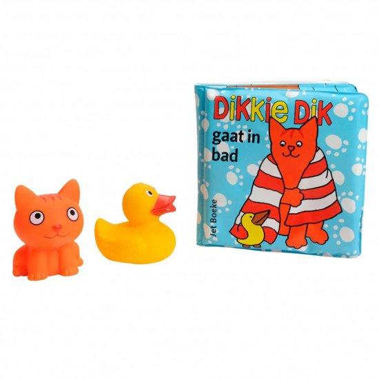 Dikkie Dik gaat in bad + waterspuiters