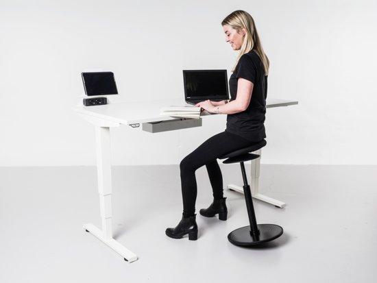 Elektrisch bureau - zit/sta tafel - 160x80 - midden eiken blad - zwart onderstel
