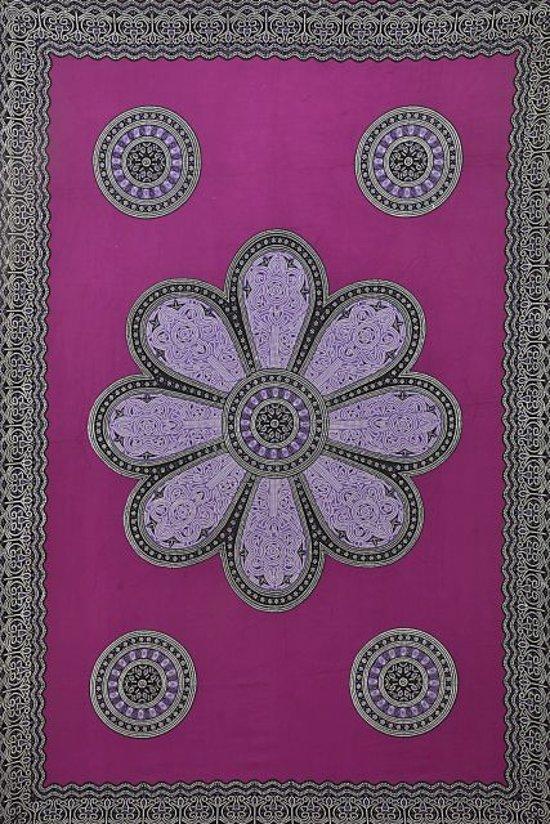 Premium sarong hamamdoek ibiza stijl in de kleuren paars zwart wit bloemen versierd met franjes 115 cm bij 165 cm uit Bali.