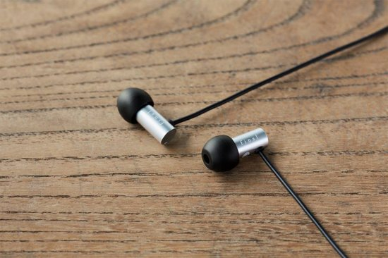 Final Audio E2000C - In Ear - Afstandsbediening + Microfoon