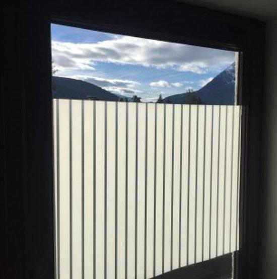 bolcom antiinkijk 68 x 300 cm raamfolie met strepen