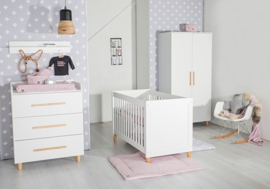Ledikant En Commode Wit.Cabino Babykamer Stockholm 3 Delige Ledikant Commode Kledingkast Wit