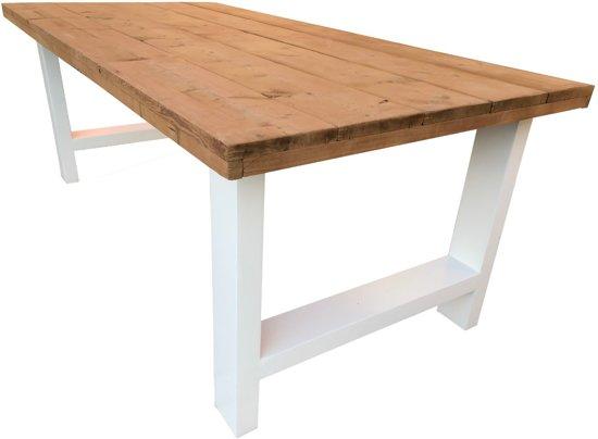 Witte houten eettafel vit stoer en modern van fØrn