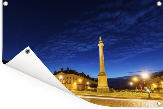 Avondfoto van de Franse stad Nantes Tuinposter 90x60 cm - Tuindoek / Buitencanvas / Schilderijen voor buiten (tuin decoratie)