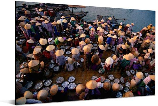 Vismarkt bij Hoi An in Vietnam Aluminium 60x40 cm - Foto print op Aluminium (metaal wanddecoratie)
