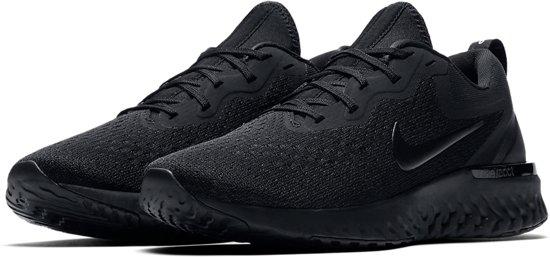 Nike Odyssey React  Sportschoenen - Maat 40 - Vrouwen - zwart