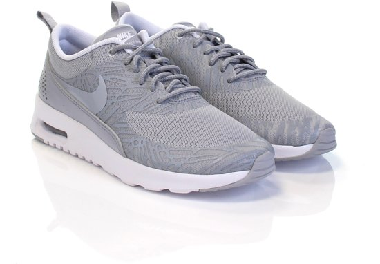 Nike Wmns Nike Air Max Thea Print Trainers in White at