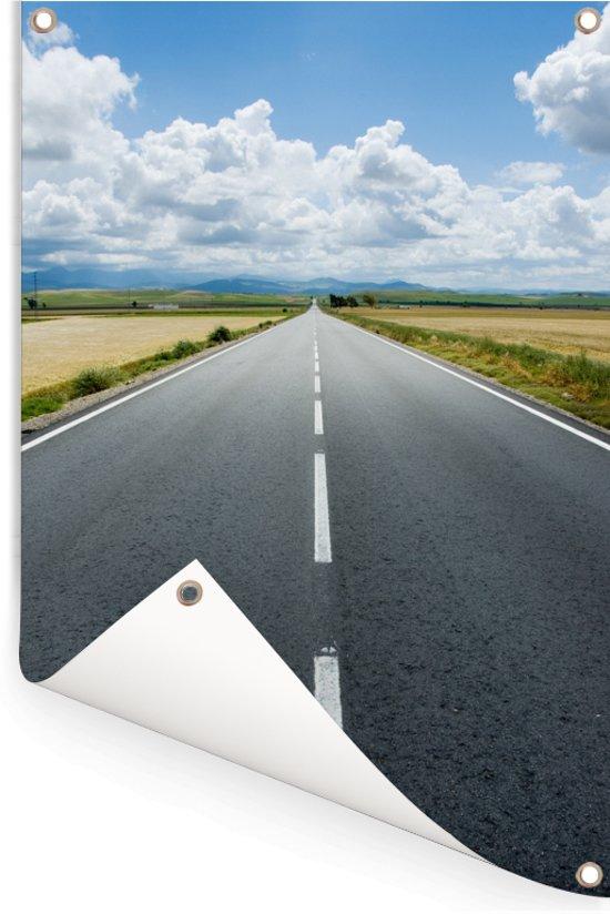 Lege snelweg in het Europese Spanje Tuinposter 80x120 cm - Tuindoek / Buitencanvas / Schilderijen voor buiten (tuin decoratie)