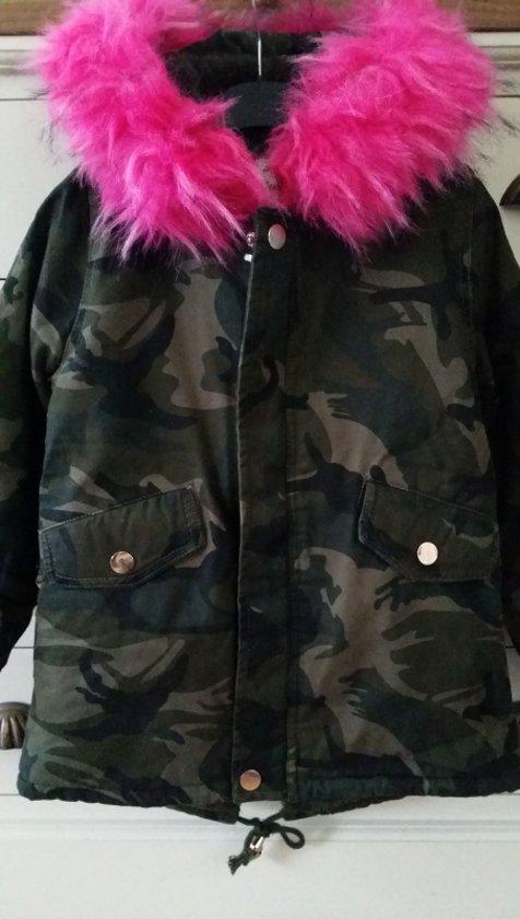 legerprint jas met roze bont