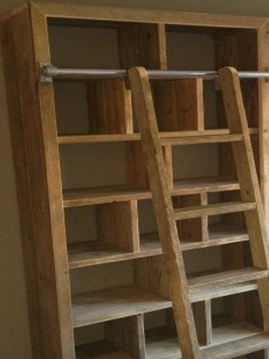 boekenkast steigerhout met trap