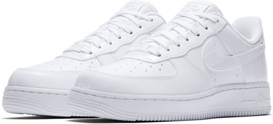828660da2fe Vrouwen Force Maat Nike 1 Wit 39 '07 Essentialsneakers Air qgTzwR