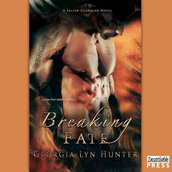 Boek cover Breaking Fate van Georgia Lyn Hunter (Onbekend)