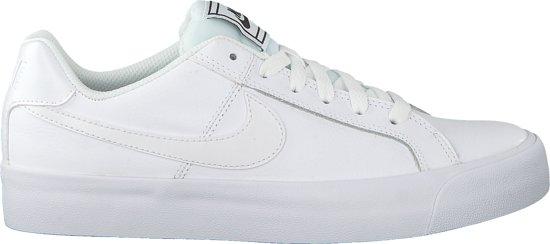 bol.com | Nike Dames Sneakers Court Royale Platform - Wit ...