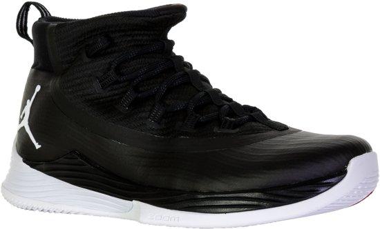 be8807617f3 Nike Jordan Ultra Fly2 Basketbalschoenen Heren Basketbalschoenen - Maat  44.5 - Mannen - zwart/wit