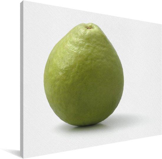 Intacte groene guave op een witte achtergrond Canvas 160x120 cm - Foto print op Canvas schilderij (Wanddecoratie woonkamer / slaapkamer) XXL / Groot formaat!