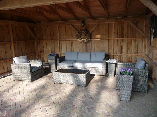 New bol.com | Mooie loungeset met 3-persoons bank, een tafel en 2 stoelen. &ZQ39