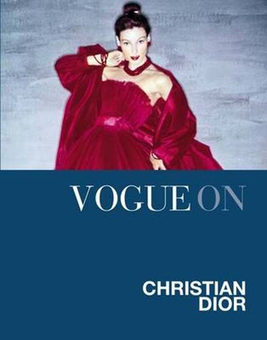 Boek cover Vogue on: Christian Dior van Charlotte Sinclair (Onbekend)