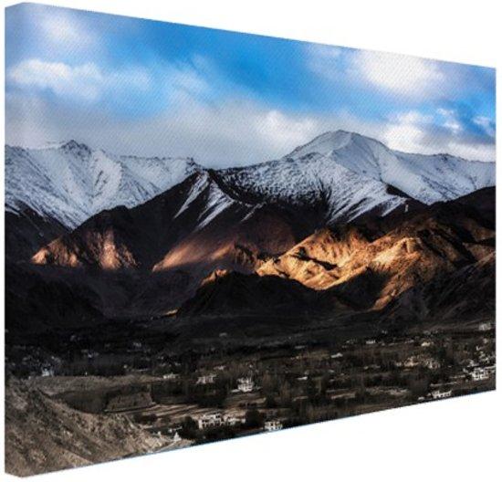 Leh Ladakh stad vlakbij Himalaya Canvas 60x40 cm - Foto print op Canvas schilderij (Wanddecoratie)