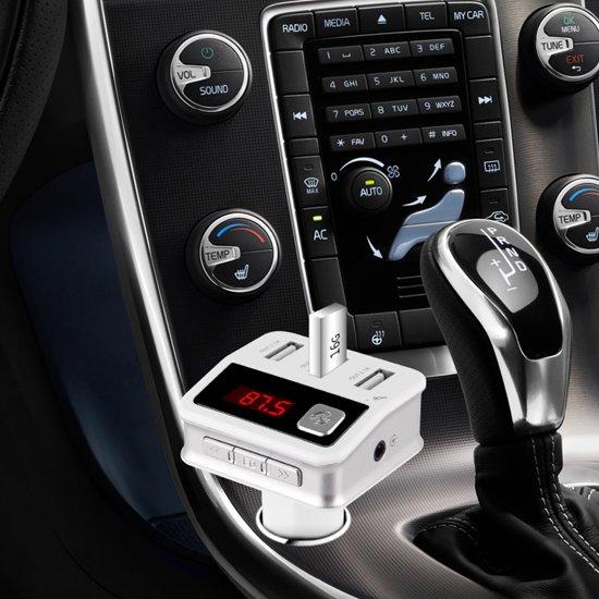 Bluetooth 5-in-1 Auto Carkit MP3 Speler / FM transmitter / LED Display / Handsfree bellen / 3 x (High Speed) USB Oplader - Geweldige Geluidskwaliteit Stereo audio Output in Berkt